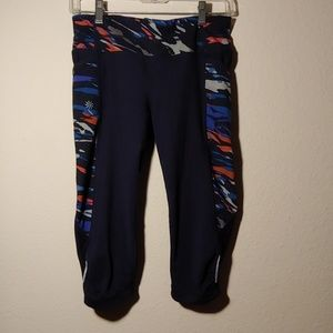 Athleta Capri Black Multi-Color Leggings S
